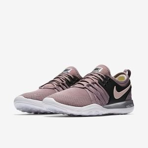 Nike Free TR 7 Chrome Blush Sneakers